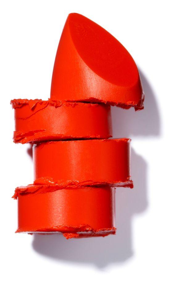 Claves sencillas para empezar a usar labios rojos